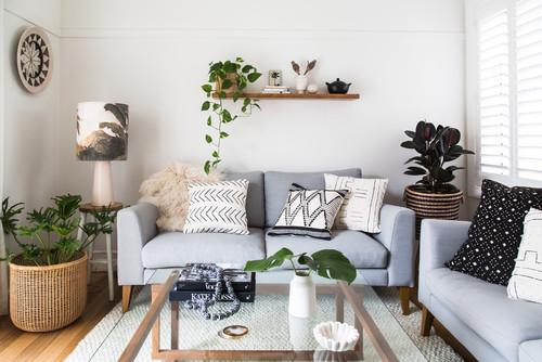 壁を背にしたソファをセンスよく見せる6つのテクニック