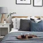 ベッドサイドランプの4つのコーディネート法&寝室インテリア例