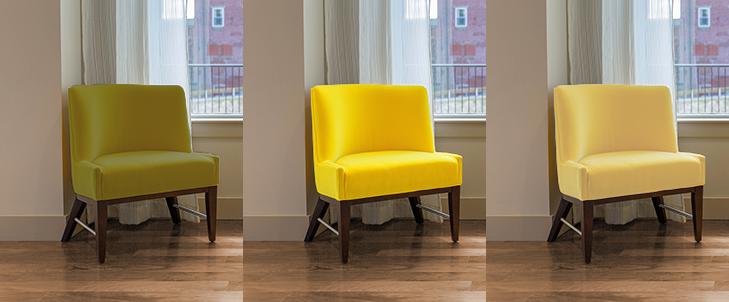 中間の茶色の床と3種類の黄色