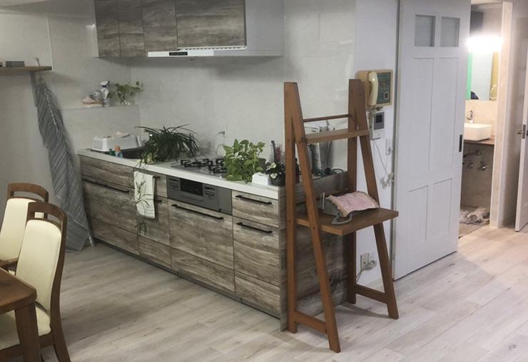 新設キッチンと新設床