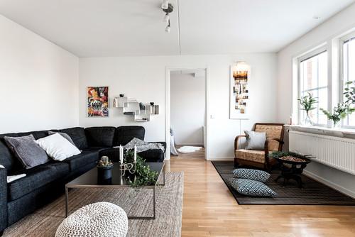 ミディアムブラウンの床と明るい色のラグvs暗い色のラグ43実例