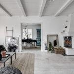 無彩色系ヴィンテージフローリングと家具の色の組み合わせ40実例