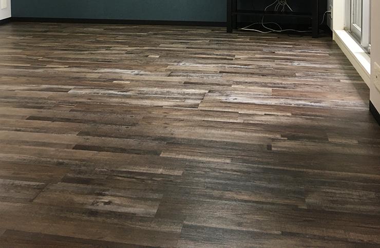 床暖房対応はめ込み式フロアタイル施工後写真