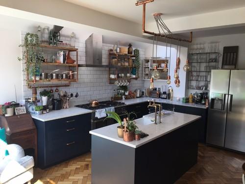 印象が180度変わる家具調キッチンとシンプルキッチン厳選55例
