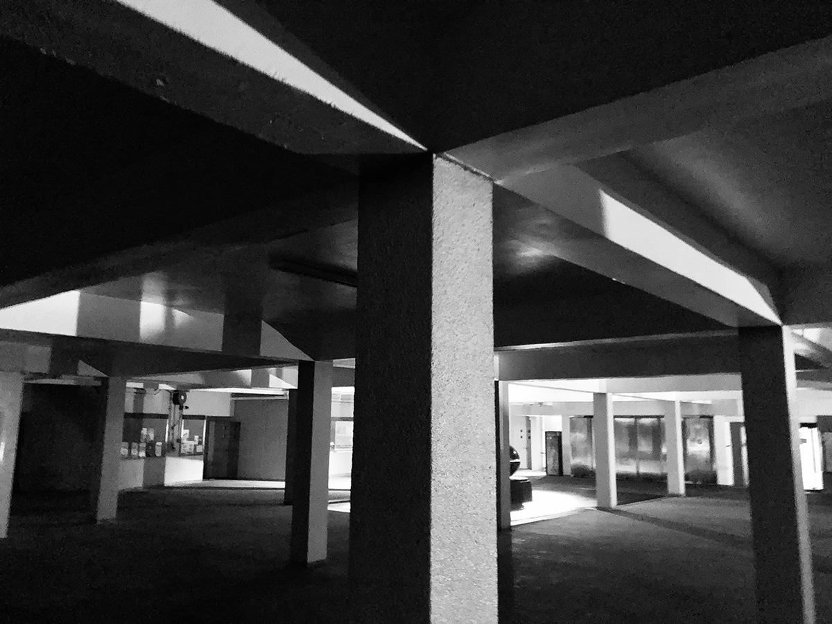 コンクリート内装の部屋