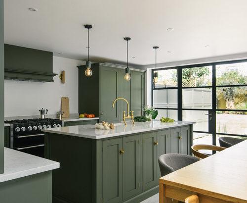 丸見えキッチン何色が良い?17色の扉別インテリア実例54選