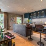 デザイン・素材・収納に注目したヴィンテージキッチンインテリア47選