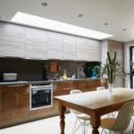 扉色を決める前に見ておきたい9つの印象別壁付けキッチン実例51選